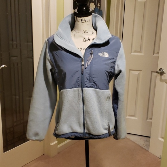 d5e5e6d16 EUC: The North Face blue Denali zip-up; size M
